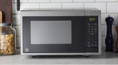 Smart Countertop Microwave Oven with Scan-To-Cook Technology